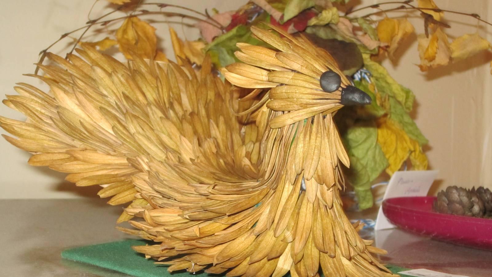 какую поделку можно сделать из моха шишек каштана.